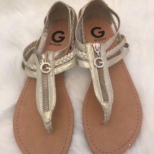 $15 Guess Sz 8.5 Gold Thong Sandals - Great Cond